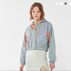 Urban Outfitters Jackets & Coats - Urban outfitters cropped windbreaker.